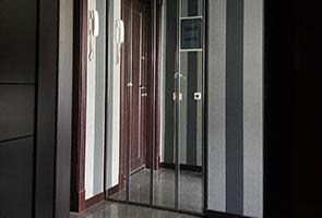 Hettich WingLine L с фасадом зеркало «Серебро» в прихожую