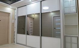 Комбинированные шкафы-купе в коридор