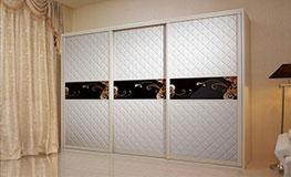 Корпусные шкафы-купе из экокожи