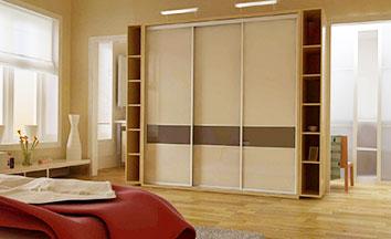 Линейные (прямые) шкафы-купе в спальню